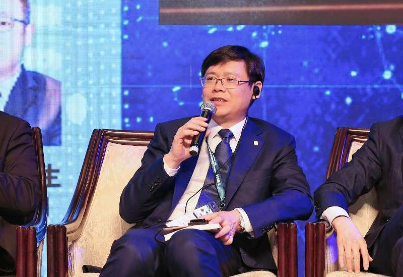 协鑫集团舒桦、朱战军、孙兴平SNEC对话全球光伏领袖